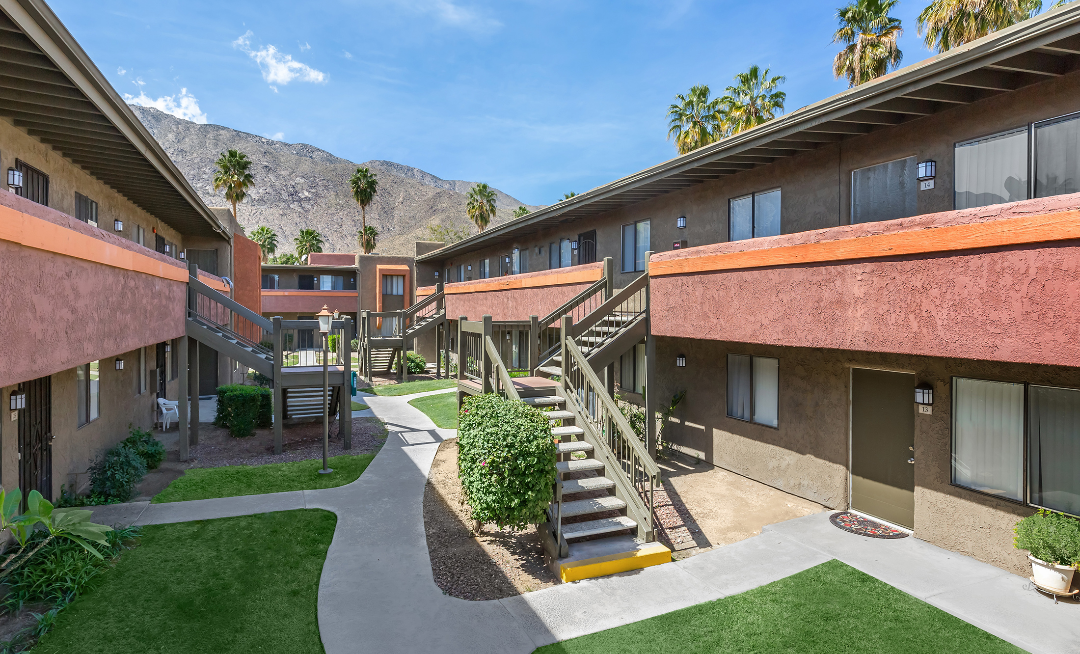 La Ventana Apartments Apartment Homes In Palm Springs Ca